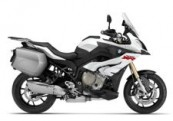 BMW S 1000 XR for hire from Roadtrip. Woking, Surrey, UK +44 (0)1483 662 135